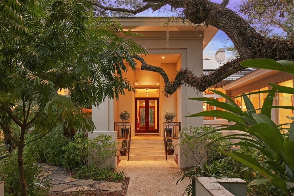 5315 Hidden Harbor Rd, Sarasota, FL 34242 - photo 1 of 21