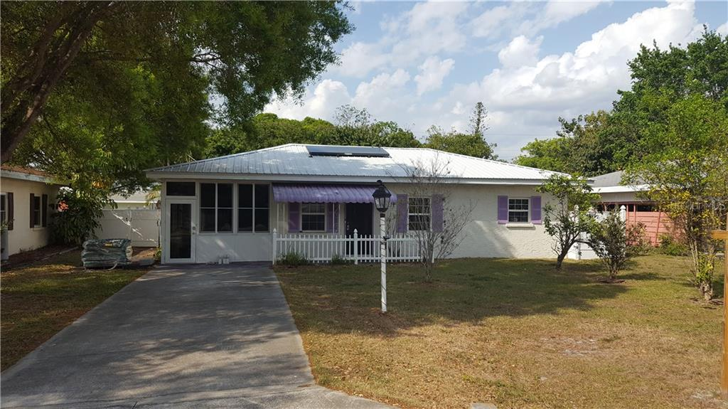 Single Family Home for sale at 3321 Yorktown St, Sarasota, FL 34231 - MLS Number is A4182005