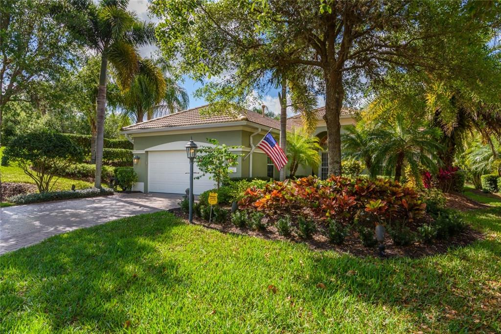 Single Family Home for sale at 8432 Abingdon Ct, University Park, FL 34201 - MLS Number is A4183861