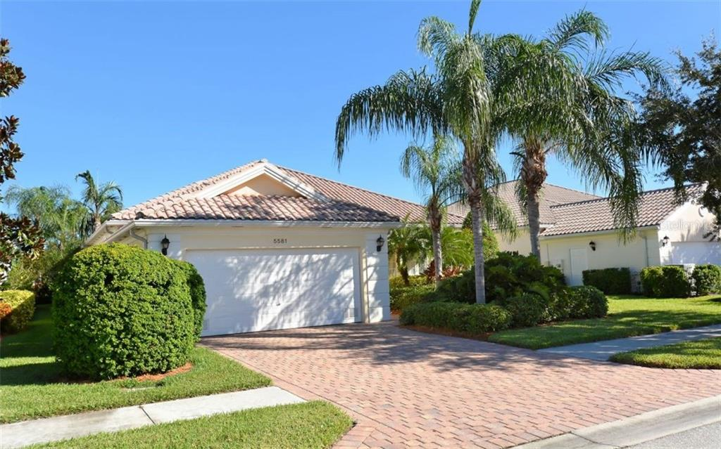 Single Family Home for sale at 5581 Novara Pl, Sarasota, FL 34238 - MLS Number is A4185315