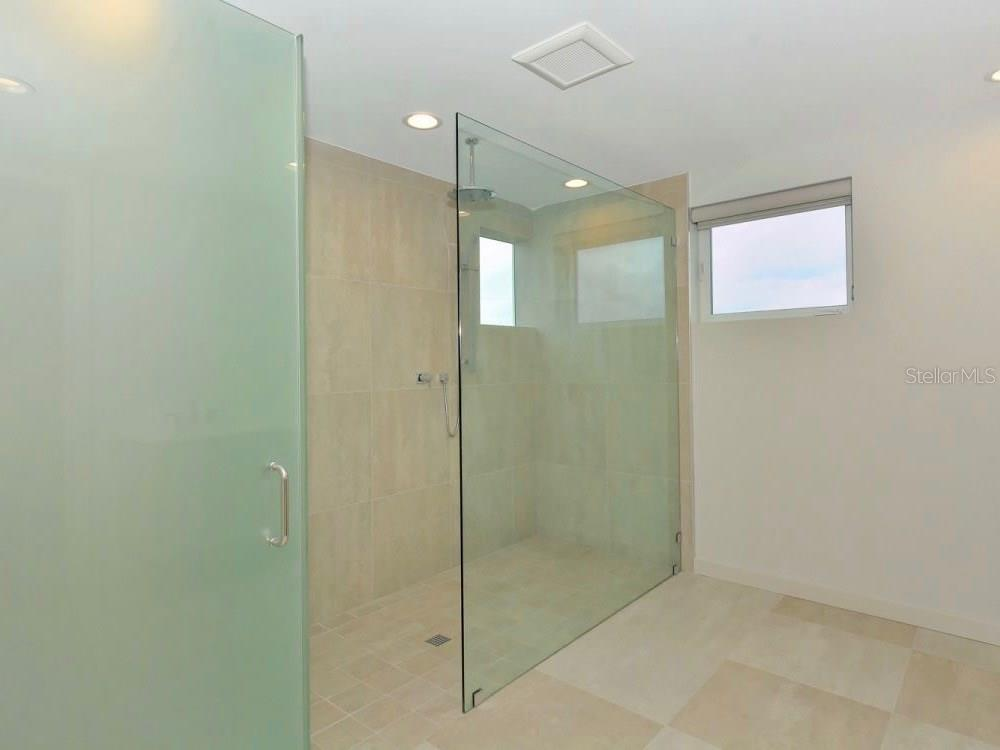 Master Bath Shower - Single Family Home for sale at 641 Beach Rd, Sarasota, FL 34242 - MLS Number is A4185328