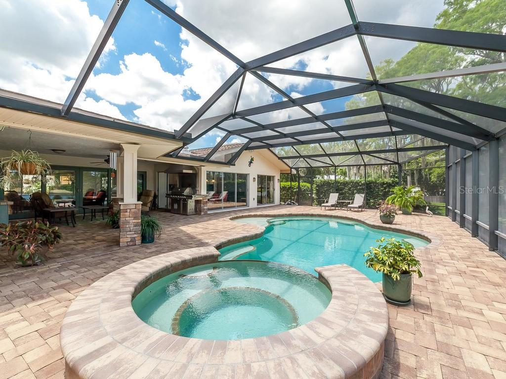 Single Family Home for sale at 6108 Shore Acres Dr, Bradenton, FL 34209 - MLS Number is A4185549
