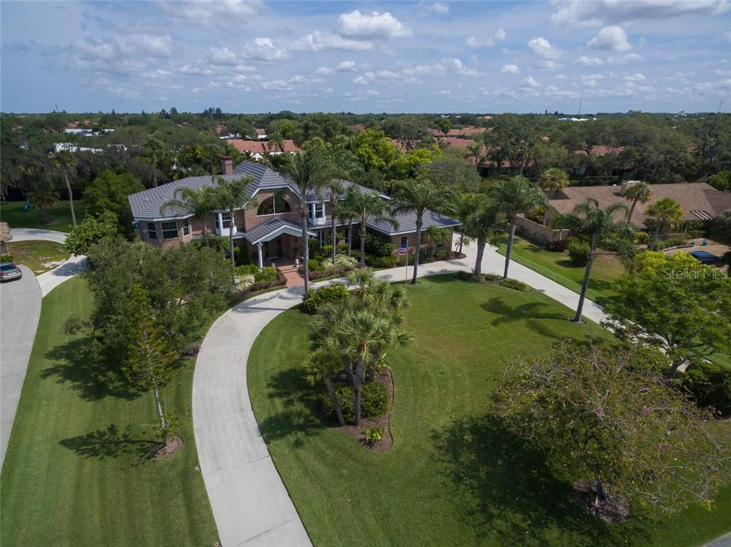 Aerial view of three quarters of an acre in Beneva Oaks! - Single Family Home for sale at 3765 Beneva Oaks Blvd, Sarasota, FL 34238 - MLS Number is A4185879