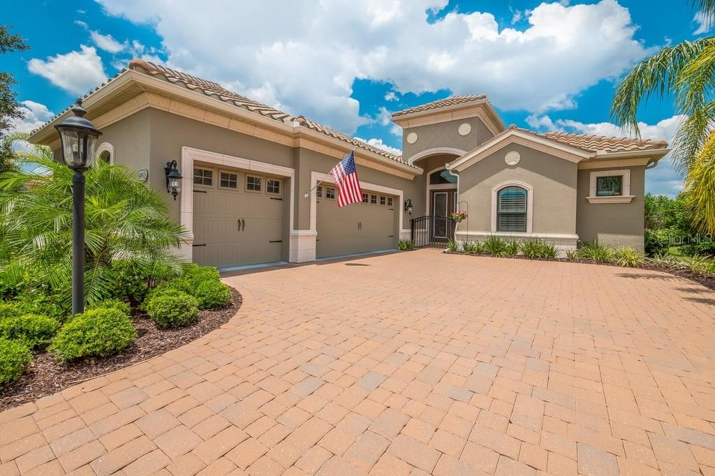 Single Family Home for sale at 14911 Castle Park Terrace, Lakewood Ranch, FL 34202 - MLS Number is A4186691