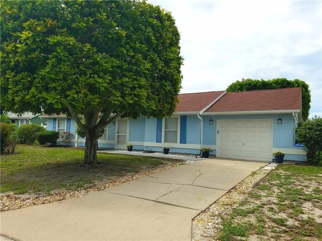 Exterior front - Single Family Home for sale at 6923 32nd Ave W, Bradenton, FL 34209 - MLS Number is A4186827
