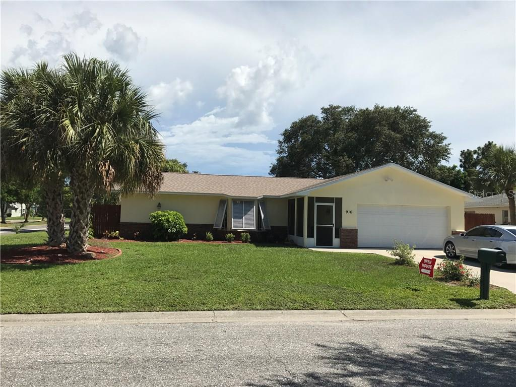 FRESH EXTERIOR PAINT AND EXTRA PAD FOR GUEST - Single Family Home for sale at 916 W Shannon Ct, Venice, FL 34293 - MLS Number is A4187148