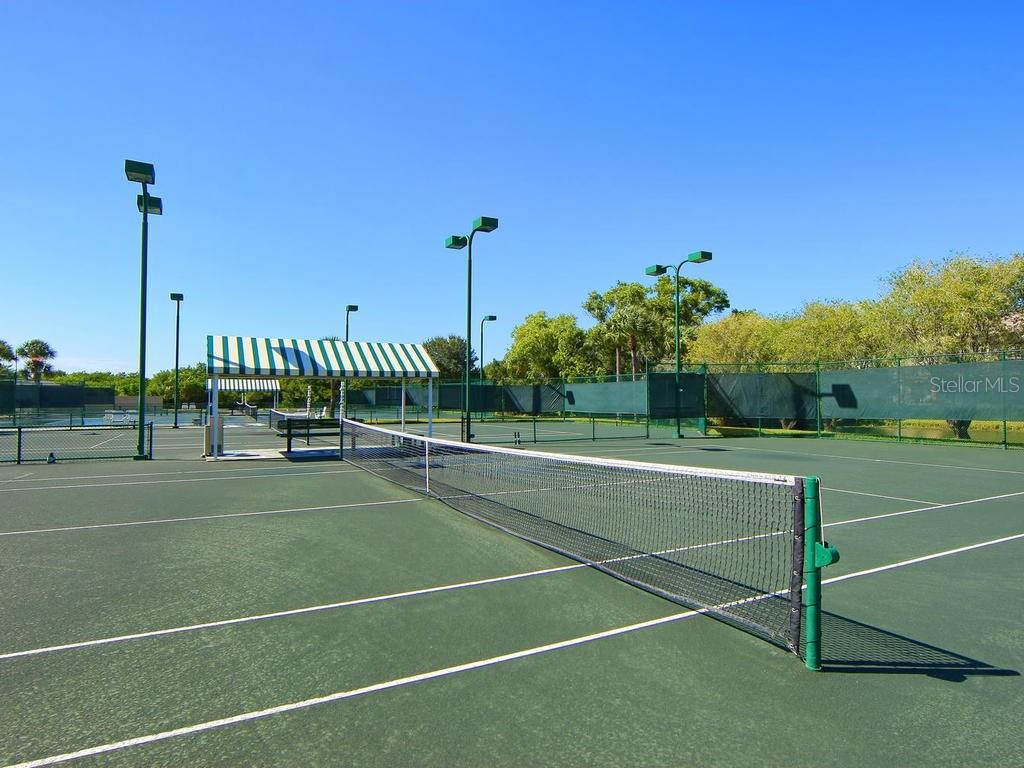 The Landings Racquet Club tennis courts - Condo for sale at 1380 Landings Pt #26, Sarasota, FL 34231 - MLS Number is A4187270