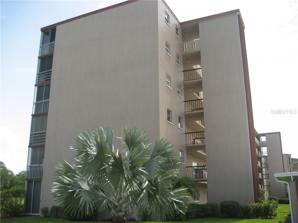 Left hand side of the I building next to the recreation center - Condo for sale at 3820 Ironwood Ln #606i, Bradenton, FL 34209 - MLS Number is A4187664