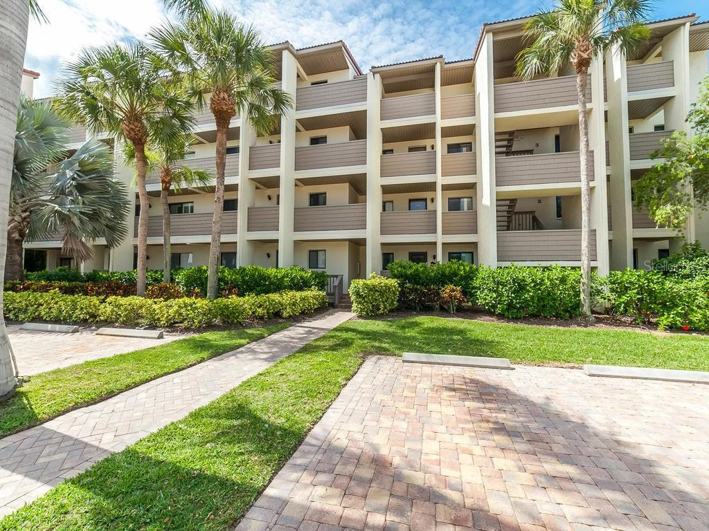 Exterior front view - Condo for sale at 6236 Midnight Pass Rd #406, Sarasota, FL 34242 - MLS Number is A4188093