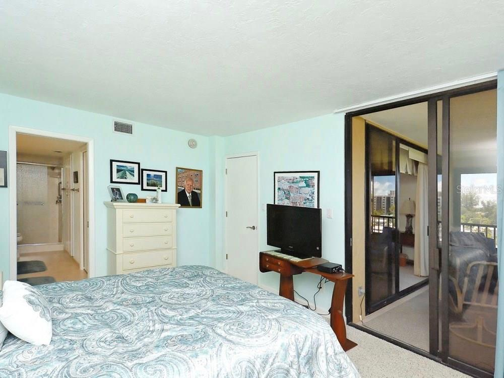 Master Bedroom - Condo for sale at 5770 Midnight Pass Rd #601, Sarasota, FL 34242 - MLS Number is A4188358