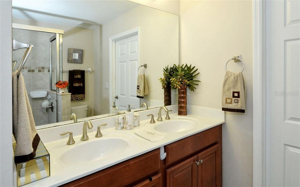 Master bathroom - Condo for sale at 81 Navigation Cir #103, Osprey, FL 34229 - MLS Number is A4188370