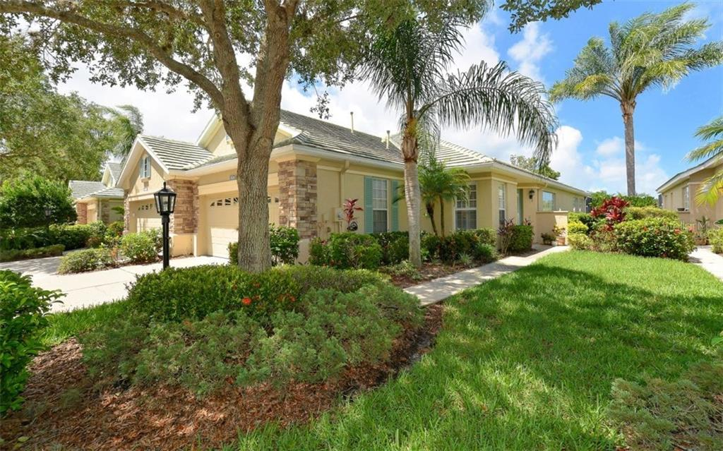 Villa for sale at 5026 Lakescene Pl, Sarasota, FL 34243 - MLS Number is A4188713