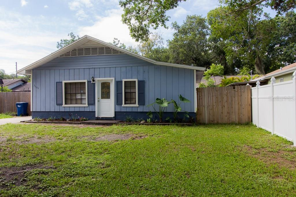 Single Family Home for sale at 3504 9th Ave W, Bradenton, FL 34205 - MLS Number is A4188749