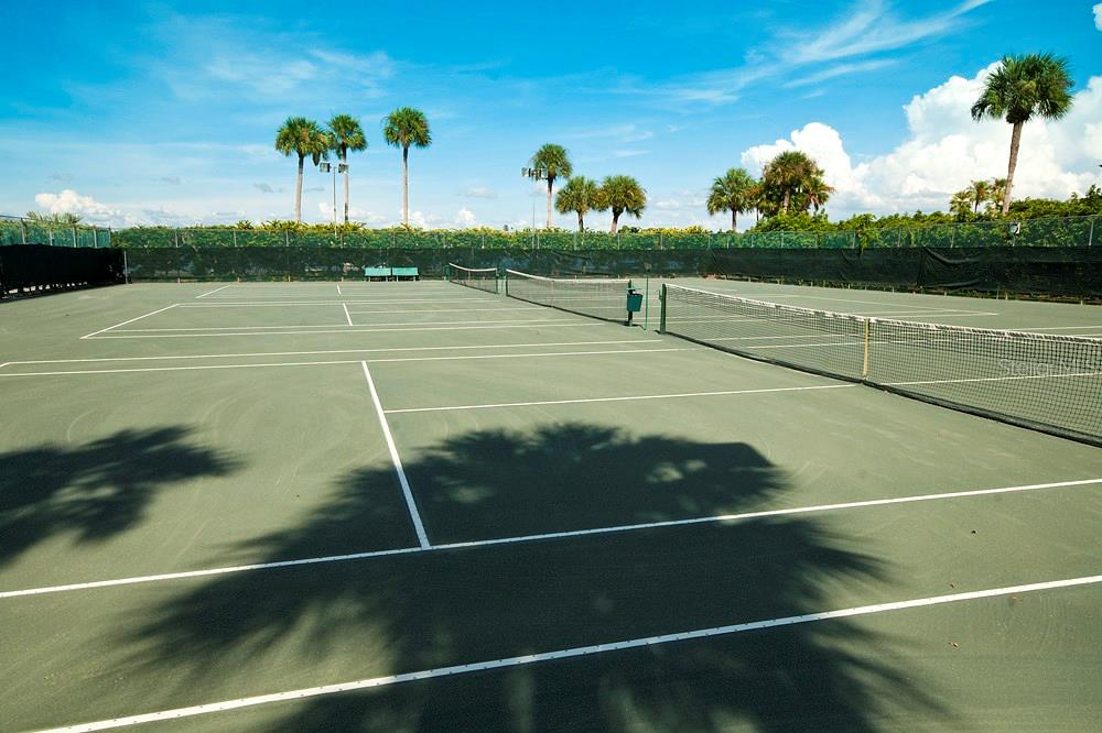 Community tennis courts - Condo for sale at 5855 Midnight Pass Rd #628, Sarasota, FL 34242 - MLS Number is A4190416