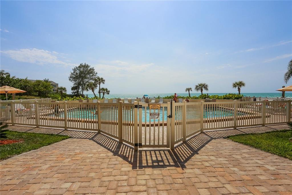 Gulf side swimming pool - Condo for sale at 20 Whispering Sands Dr #1103, Sarasota, FL 34242 - MLS Number is A4192663