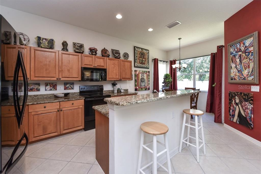 Single Family Home for sale at 4135 63rd Ter E, Sarasota, FL 34243 - MLS Number is A4193678