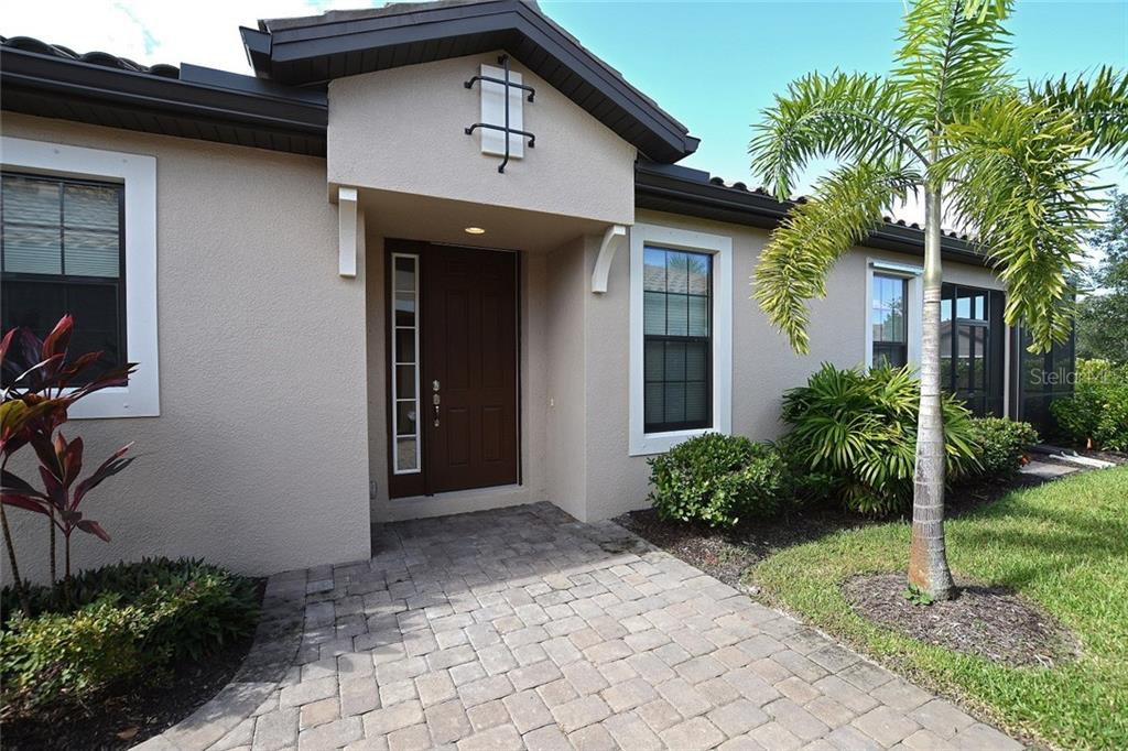 Lightly lived in 3-bedroom villa in sought after Esplanade by Siesta Key. - Villa for sale at 8295 Varenna Dr, Sarasota, FL 34231 - MLS Number is A4194251
