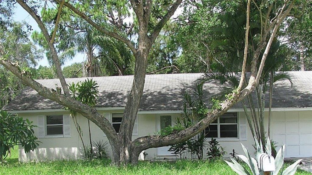 Single Family Home for sale at 2112 Fairfield Ave, Sarasota, FL 34232 - MLS Number is A4194469