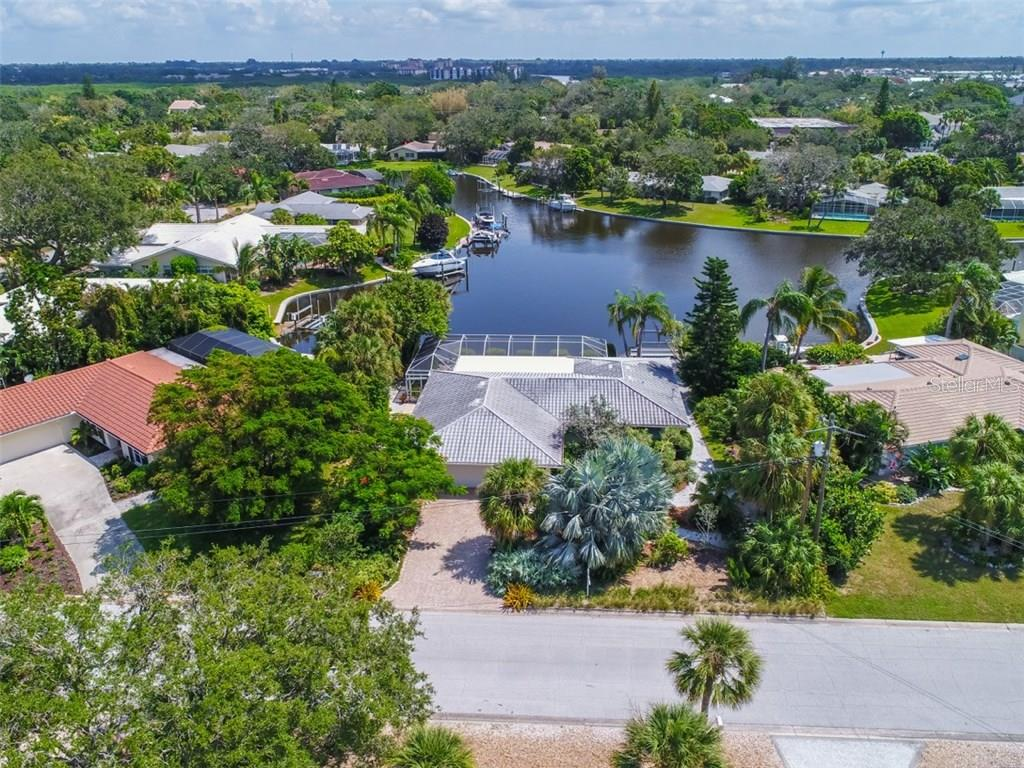 Aerial view - Single Family Home for sale at 5515 Contento Dr, Sarasota, FL 34242 - MLS Number is A4194719