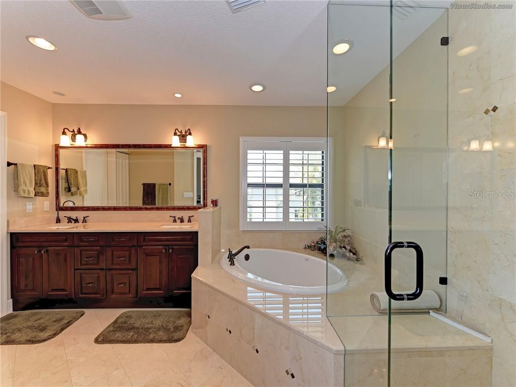 Master bath - Condo for sale at 4106 Marina Ct #622, Cortez, FL 34215 - MLS Number is A4195845