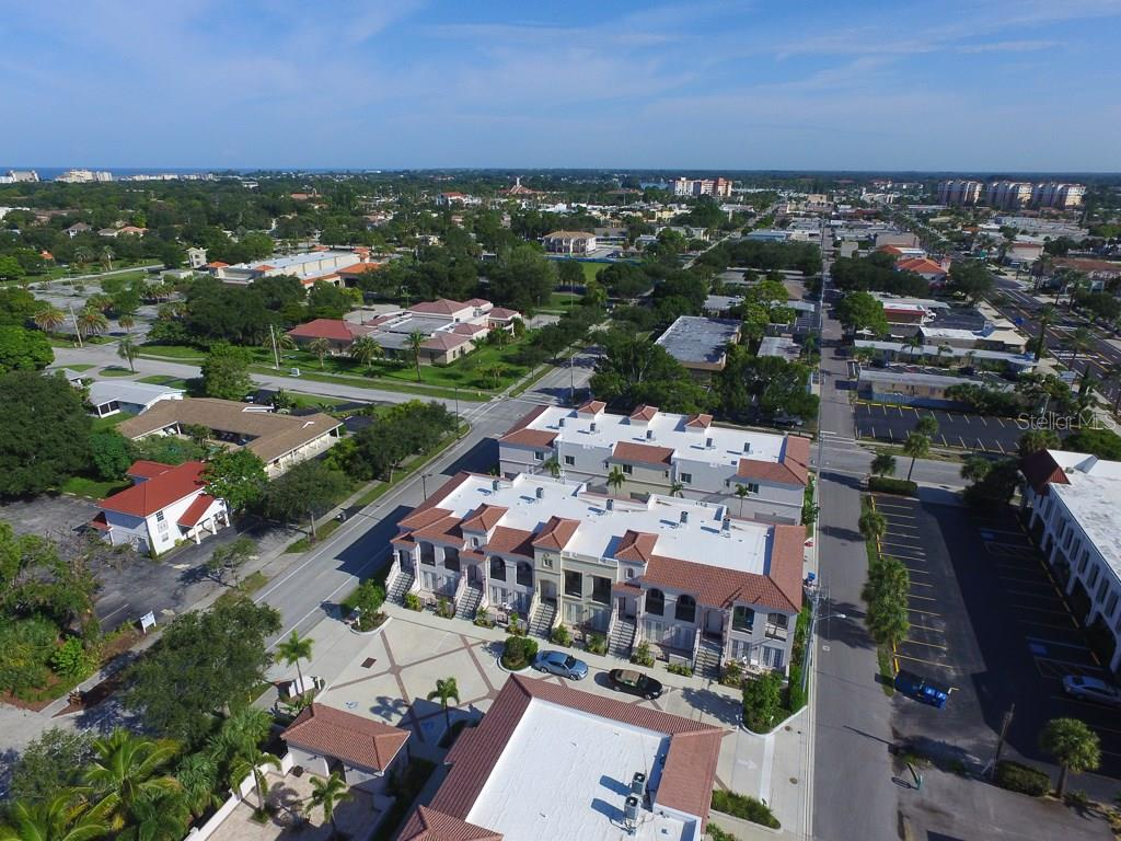 Townhouse for sale at 415 Nokomis Ave S #419, Venice, FL 34285 - MLS Number is A4195875