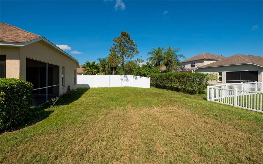 Single Family Home for sale at 11231 Coralbean Dr, Lakewood Ranch, FL 34202 - MLS Number is A4196002