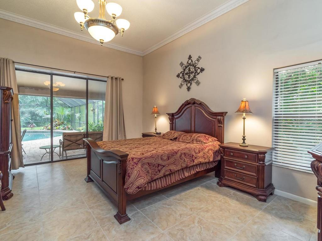 Master Bedroom - Single Family Home for sale at 7520 Weeping Willow Dr, Sarasota, FL 34241 - MLS Number is A4196497