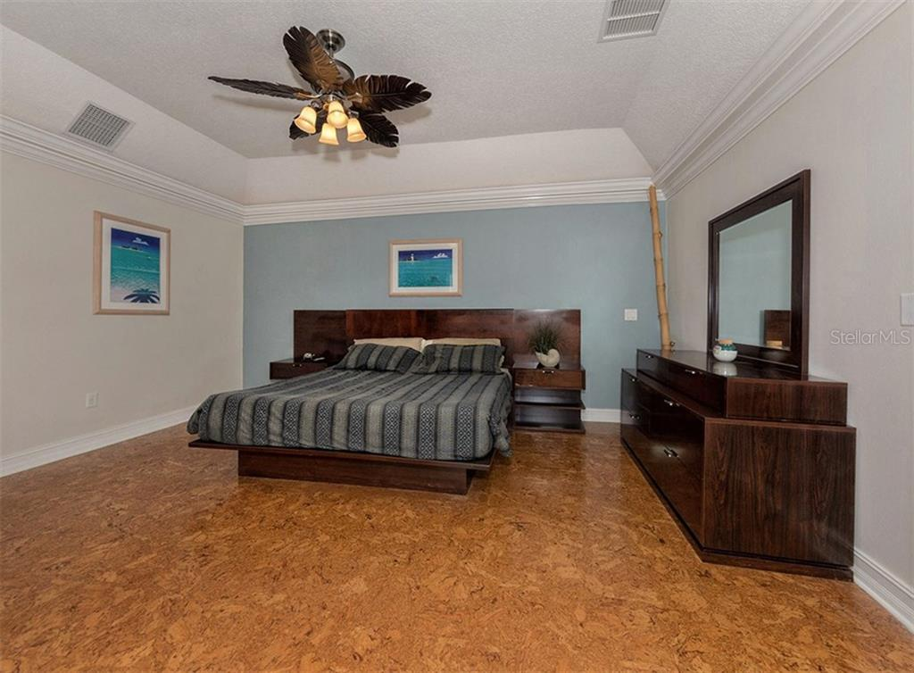 Master bedroom - Single Family Home for sale at 416 Mahon Dr, Venice, FL 34285 - MLS Number is A4196787