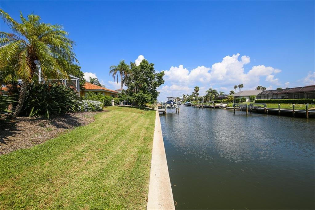 Single Family Home for sale at 520 Putter Ln, Longboat Key, FL 34228 - MLS Number is A4197446