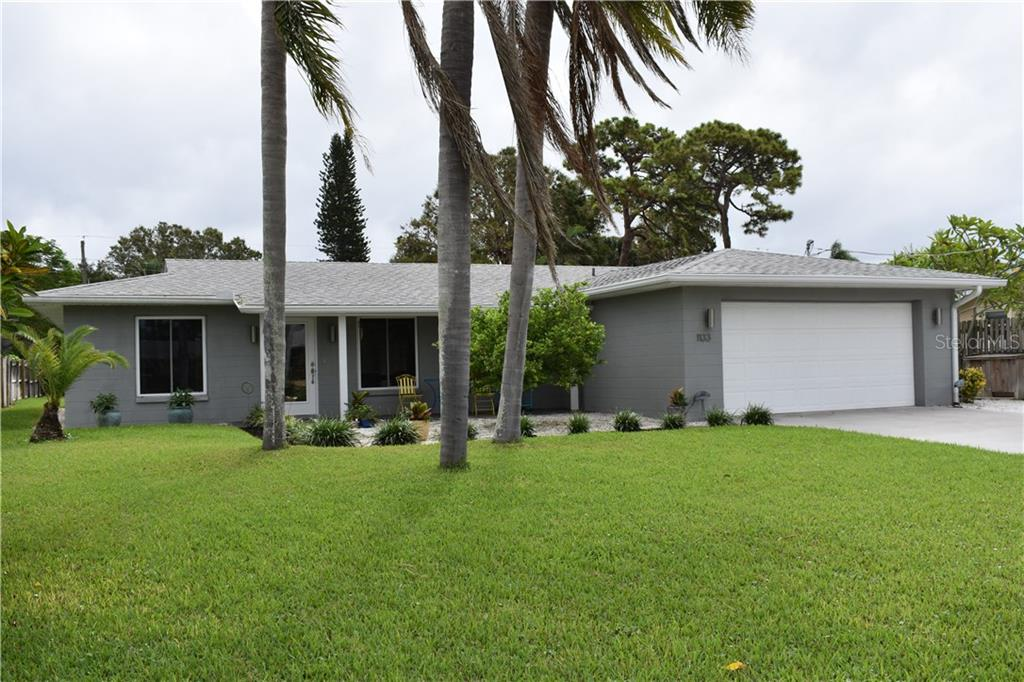 West facing view - Single Family Home for sale at 1133 Riviera St, Venice, FL 34285 - MLS Number is A4197682
