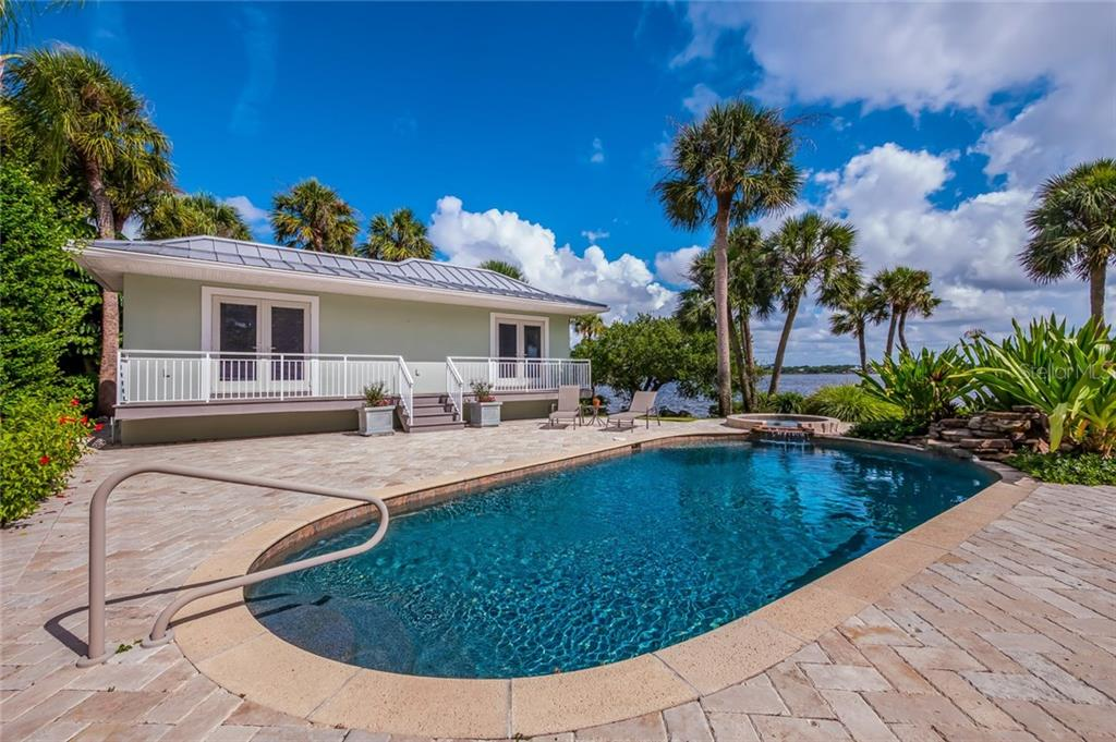 Gradual Sloping Lawn to the Waters Edge - Single Family Home for sale at 420 N Casey Key Rd, Osprey, FL 34229 - MLS Number is A4198418