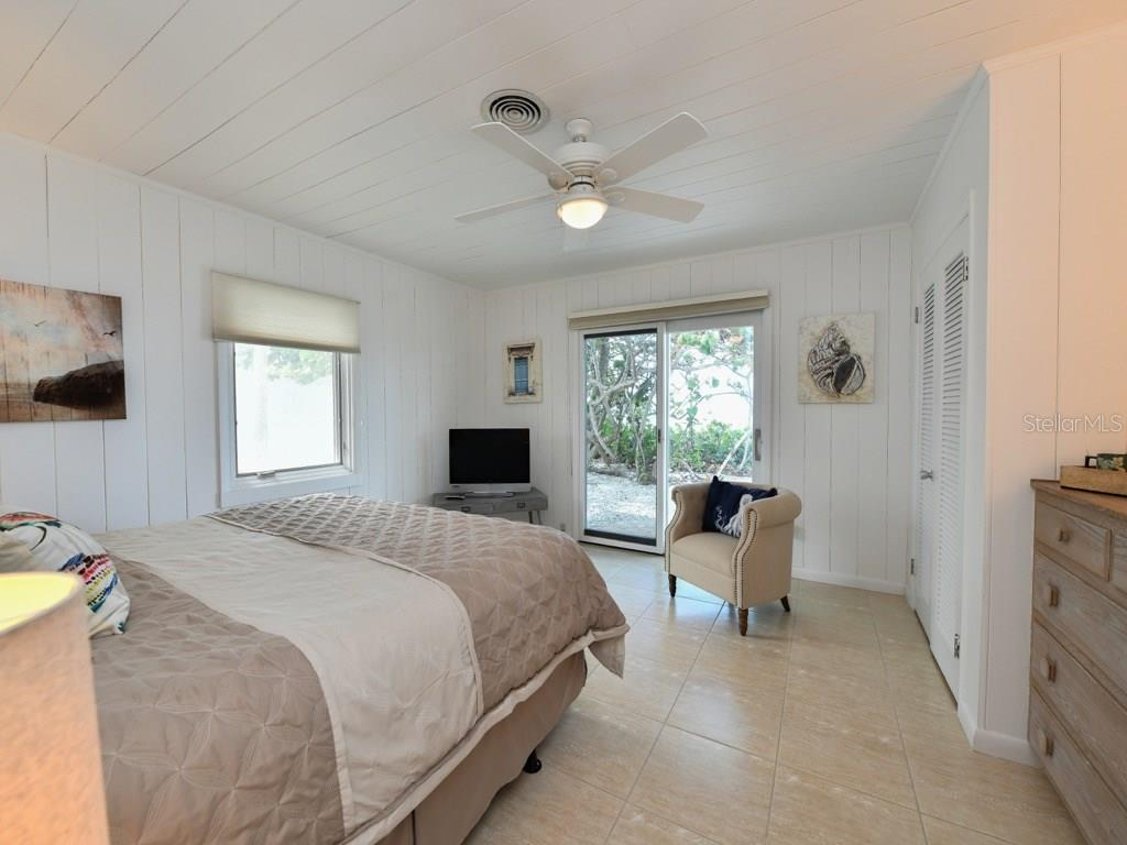 Master Bedroom - Single Family Home for sale at 418 N Casey Key Rd, Osprey, FL 34229 - MLS Number is A4198549