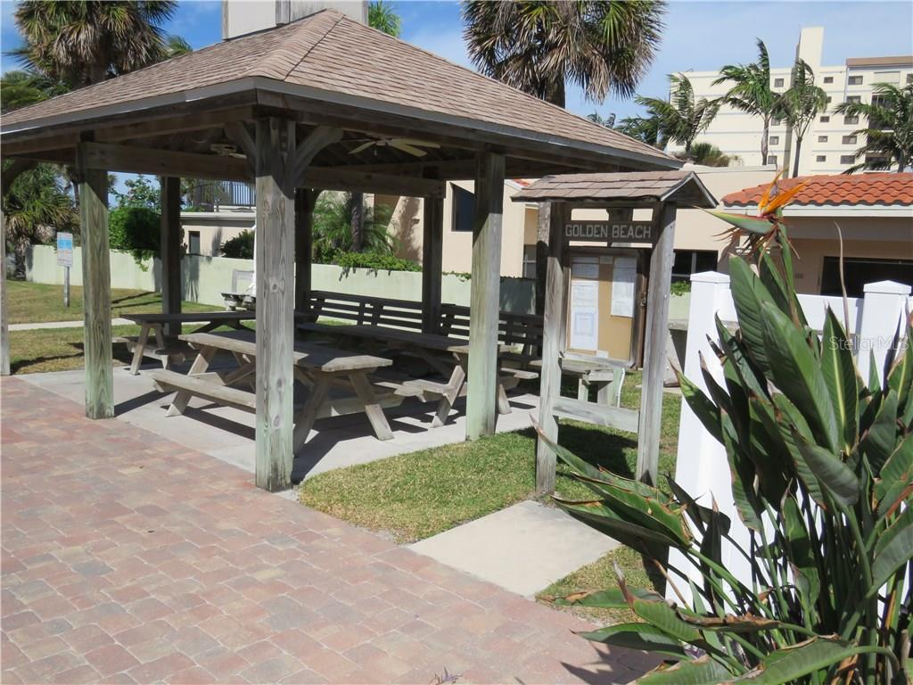 Deeded Beach Access is just a short walk away. - Single Family Home for sale at 829 Harbor Dr S, Venice, FL 34285 - MLS Number is A4198898