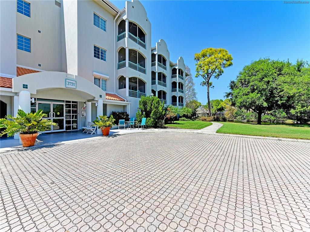 Clean classy comfort-filled living for those who don't want all the fuss! Perfect for a full time or part-time over 55 buyer.  Call today for more info or to view - Condo for sale at 3731 Sarasota Square #306-D, Sarasota, FL 34238 - MLS Number is A4199548