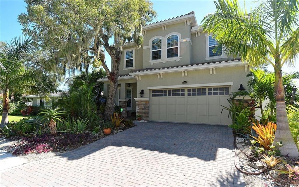 Single Family Home for sale at 1966 Hyde Park St, Sarasota, FL 34239 - MLS Number is A4200224