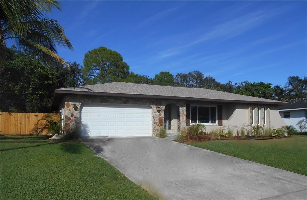 Single Family Home for sale at 7612 13th Ave Nw, Bradenton, FL 34209 - MLS Number is A4201702
