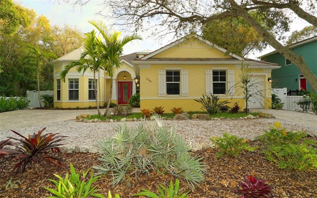 Welcoming curb appeal, side entry garage and low maintenance landscaping - Single Family Home for sale at 1746 Hillview St, Sarasota, FL 34239 - MLS Number is A4202985