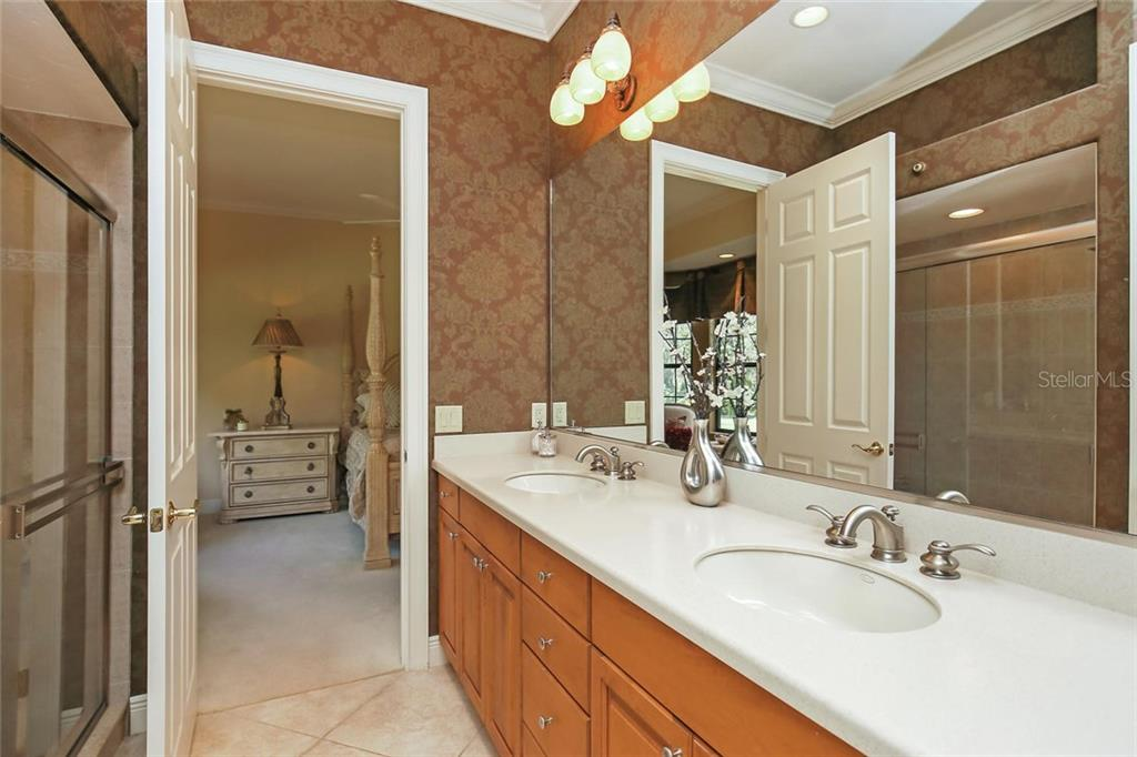 Full bath - Single Family Home for sale at 7300 Chameleon Way, Sarasota, FL 34241 - MLS Number is A4203429