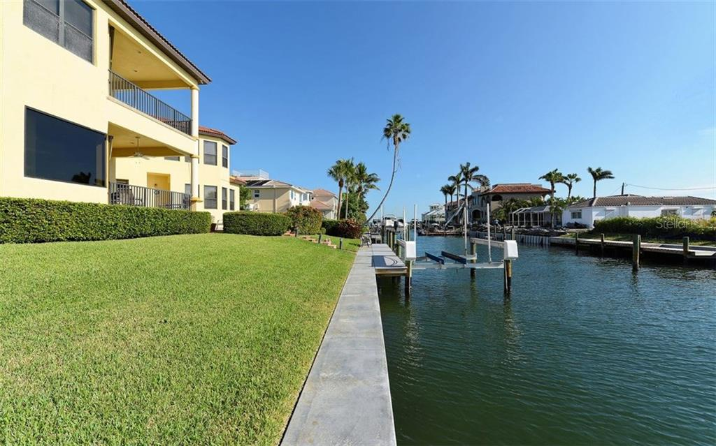 Single Family Home for sale at 612 Ranger Ln, Longboat Key, FL 34228 - MLS Number is A4203660