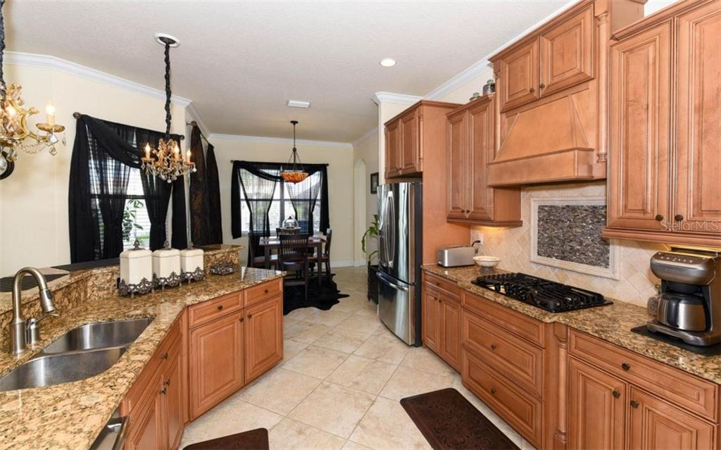 Single Family Home for sale at 13119 Bridgeport Xing, Lakewood Ranch, FL 34211 - MLS Number is A4203893