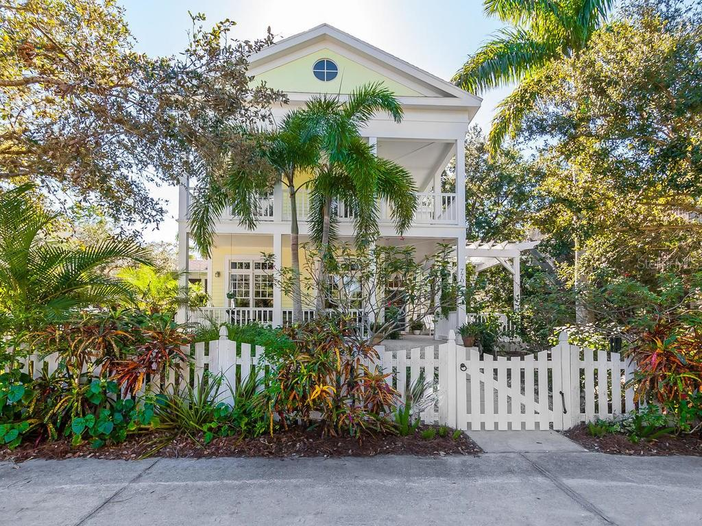 Single Family Home for sale at 770 41st St, Sarasota, FL 34234 - MLS Number is A4204209