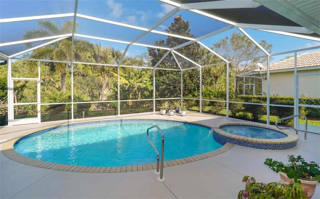 Single Family Home for sale at 460 Otter Creek Dr, Venice, FL 34292 - MLS Number is A4205372