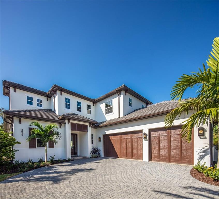 Single Family Home for sale at 1614 Bay Rd, Sarasota, FL 34231 - MLS Number is A4205423