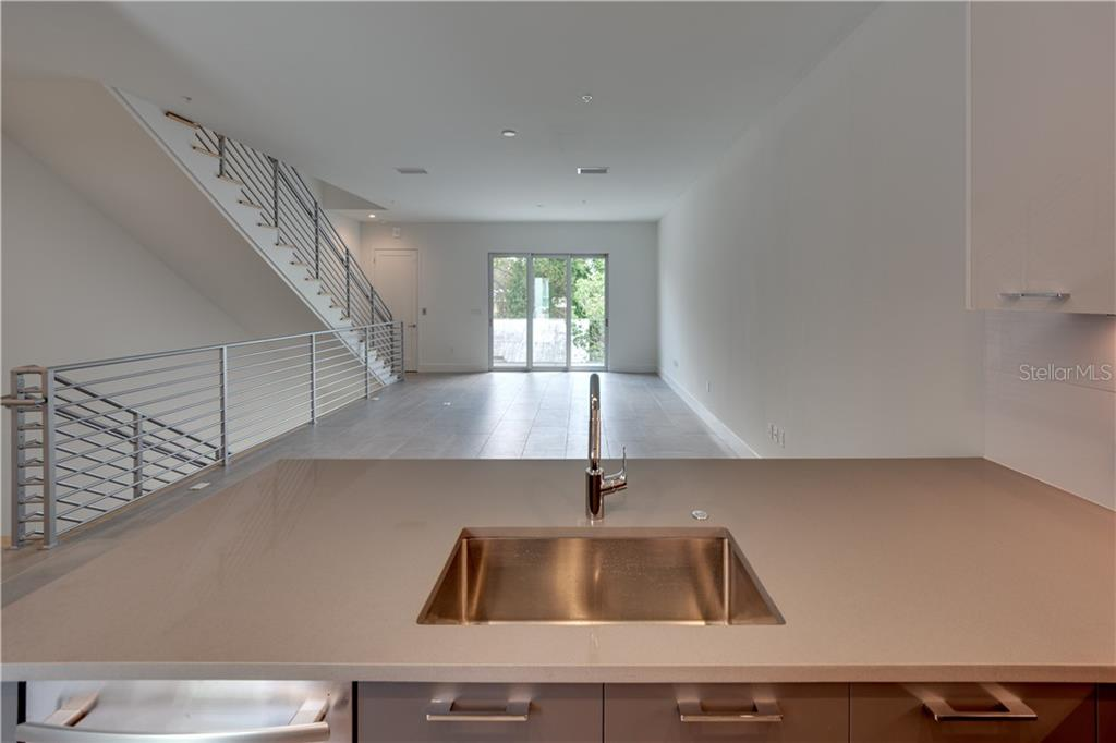 Example of a OC private roof top deck - Townhouse for sale at 620 S Rawls Ave #oc2, Sarasota, FL 34236 - MLS Number is A4205433