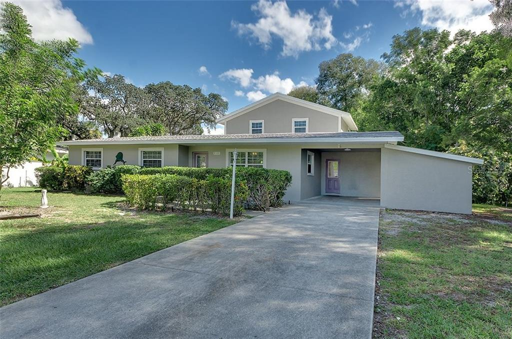 Single Family Home for sale at 1111 67th St Nw, Bradenton, FL 34209 - MLS Number is A4206674