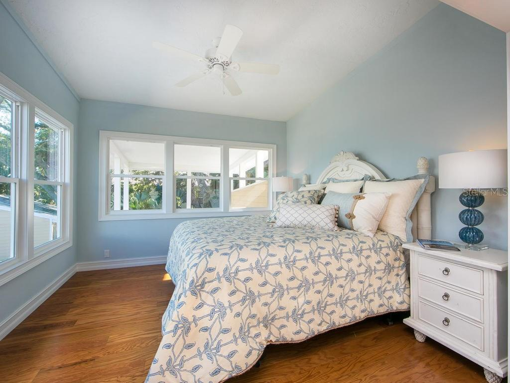 Master bedroom - Single Family Home for sale at 8101 Midnight Pass Rd, Sarasota, FL 34242 - MLS Number is A4206718