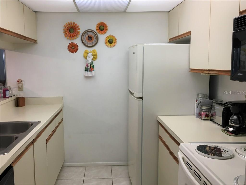 Guest bathroom with tub/shower combination. - Condo for sale at 3858 59th Ave W #4178, Bradenton, FL 34210 - MLS Number is A4206819
