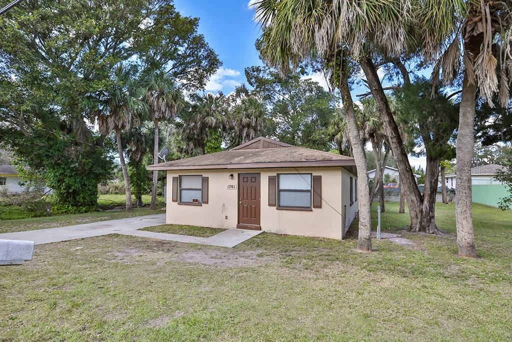 As Is - Single Family Home for sale at 1701 23rd St, Sarasota, FL 34234 - MLS Number is A4207400