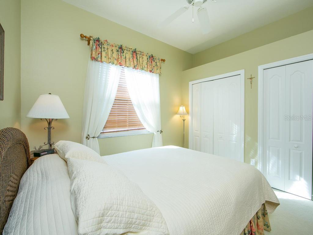 Bedroom 3 - Single Family Home for sale at 1010 Oak Preserve Ln, Osprey, FL 34229 - MLS Number is A4207598