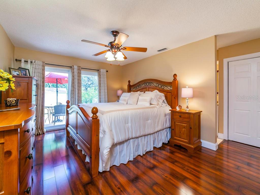 Master Bedroom - Single Family Home for sale at 411 Lyons Bay Rd, Nokomis, FL 34275 - MLS Number is A4209146